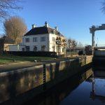 """De Mallegatsluis zorgt nog steeds voor droge voeten in Gouda. Binnenkort te boeken, onze """"waterwandeling"""". Steeds bij de tijd over oude tijden, Stadsw"""